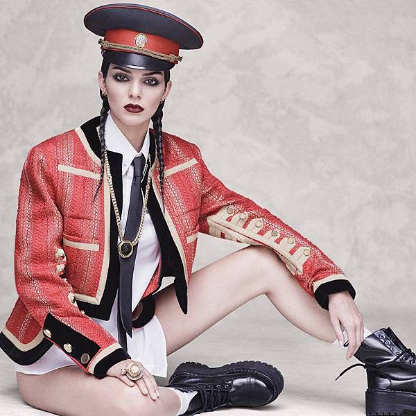 Vogue_Japan-October_2016-Kendall_Jenner-by-Luigi_and_Iango-p09.jpg