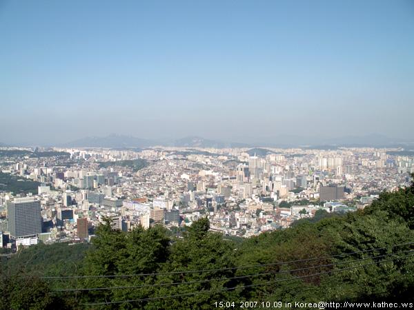 烽火臺上拍到的市區景色