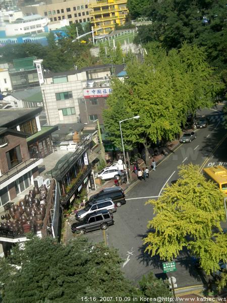 南山纜車站左側道路