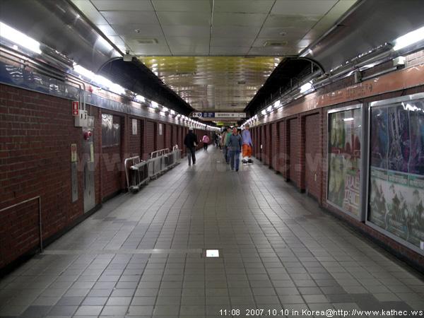 鐘路三街站
