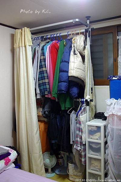 韓國租屋很常見的衣櫥