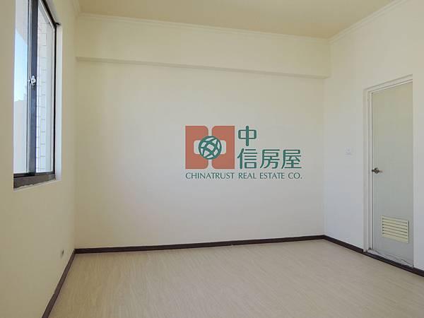 北門國小成家三房+車位 官8.jpg