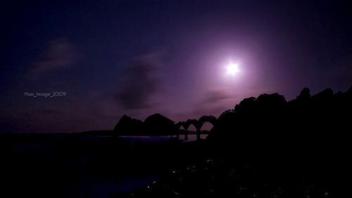 三仙石的明月