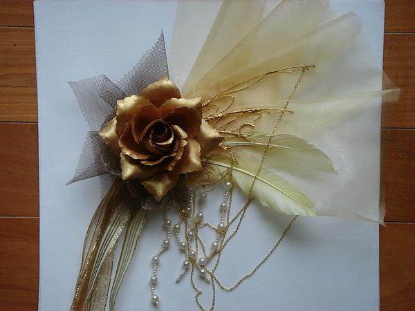 胸花.金.jpg
