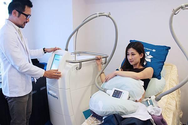 林宜妏 104-3-26 冷凍溶脂-腹部 治療(6).jpg