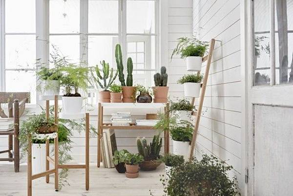 IKEA-SATSUMAS-Plant-Stand-range-in-bamboo-and-white-635x424.jpg
