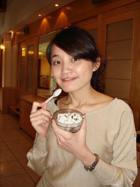自己挖的冰淇淋更好吃!