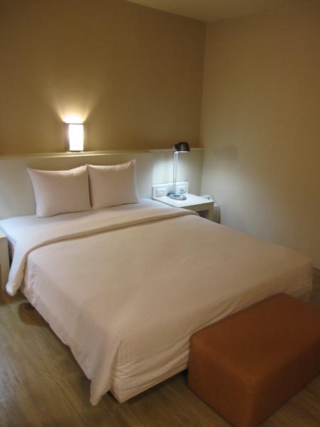 但服務態度和房間就差好多啊>< 高雄漢神館這裡就超好的!!!!!!!!!!