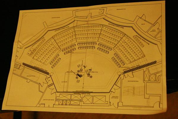 這是舞台平面圖