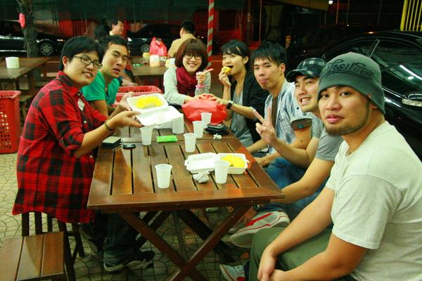 謝謝你們帶領我們玩新加坡  ya!!!!