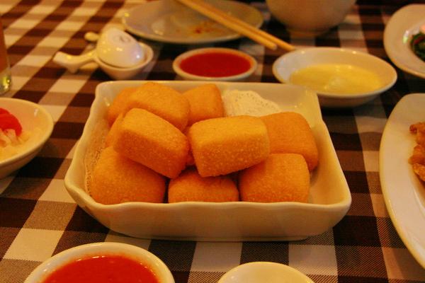 炸豆腐很ok,但還是雞蛋豆腐最好吃