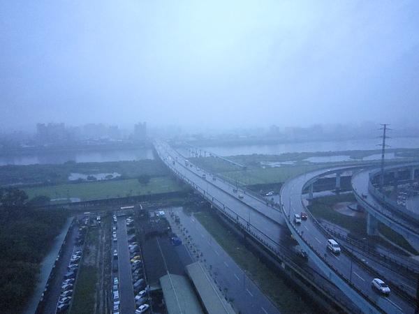 今天是個下雨天