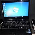 NB-1011126-FUJITSU LifeBook SH760_03.jpg