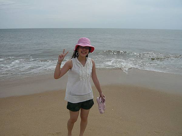 一到海邊就很開心.JPG