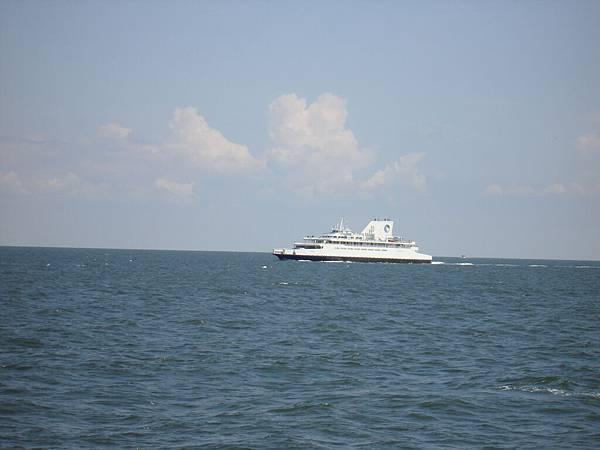 一艘相似的船.JPG