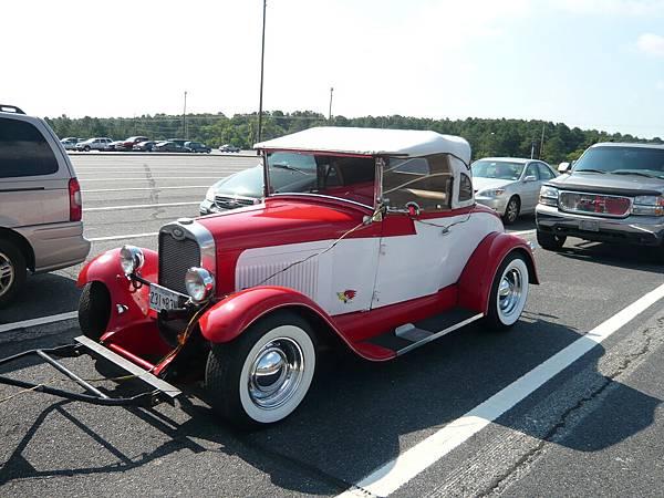 發現一台可愛的小車車.JPG