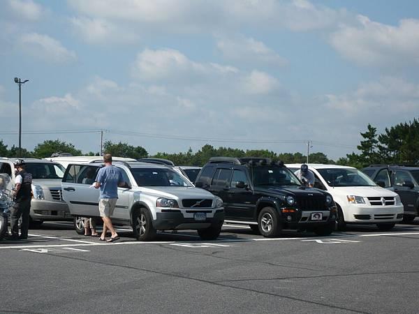 一堆車.JPG