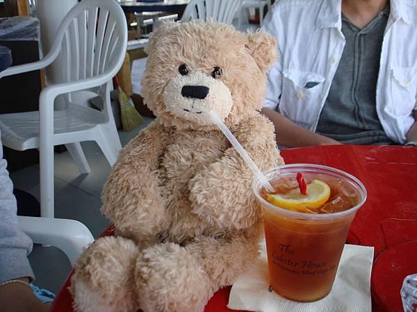 好熱,趕快來一杯冰茶.JPG