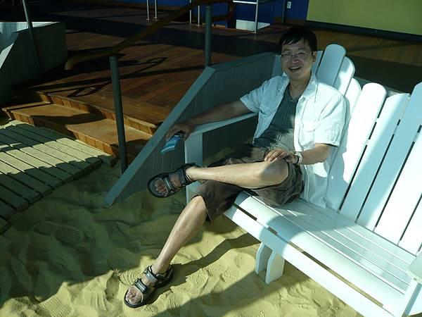 腳下踩著沙子.JPG