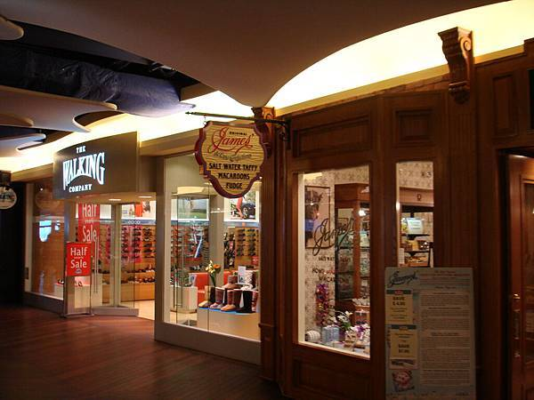 Mall裡面的一景.JPG