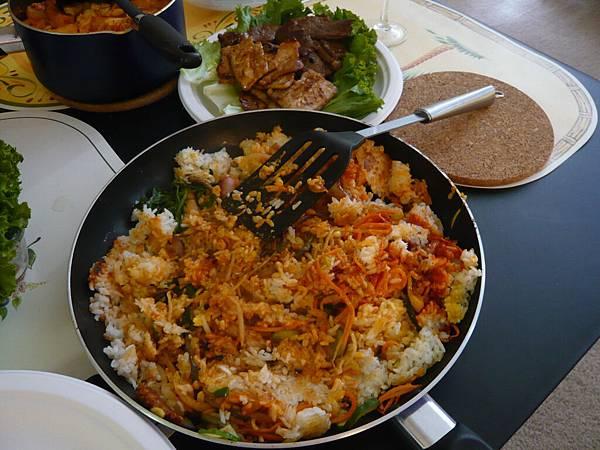 Lin-Hung大學學弟煮的韓式料理.JPG