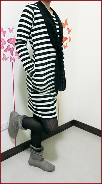 黑條紋裙裝-2.jpg