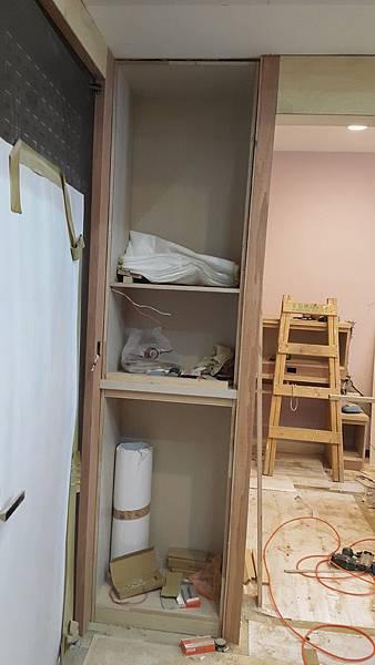 新鞋櫃和置物櫃.jpg