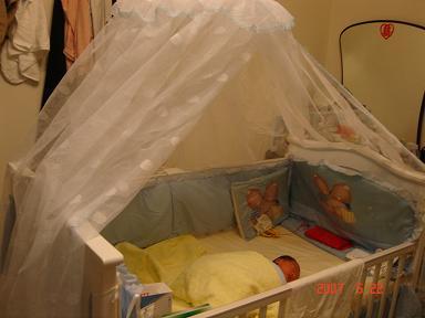 這是為鈞閎準備的嬰兒床