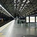 看起來很像我們的高鐵站吧?