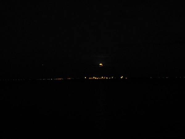 月亮出來1