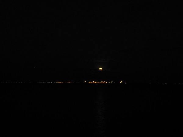 月亮出來2