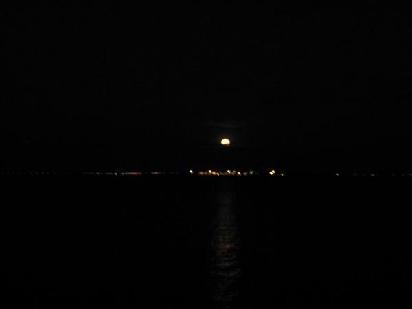 月亮出來3