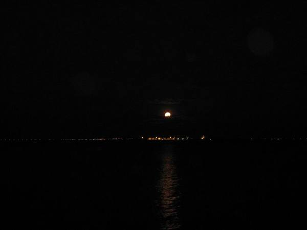 月亮出來4