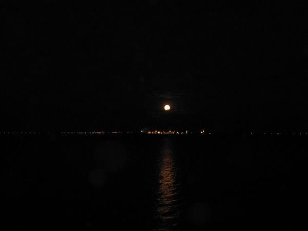 月亮出來5