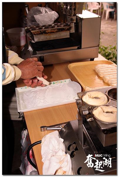 百年檜木-現烤甜甜圈