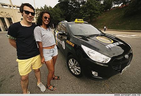 HYUNDAI與Copa90打造「World Cup Taxi」1-2.jpg