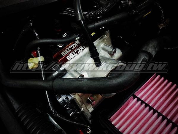 Mazda 3 2.0 安裝KC.TBS PLUS 節氣門墊寬器_002