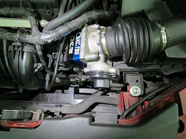 Ford 05 Focus 安裝KC.TBS節氣門墊寬器_003