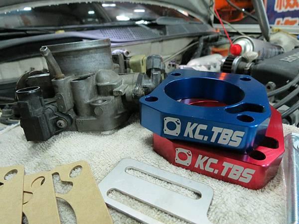 Honda K8 MT 安裝KC.TBS Plus節氣門墊寬器_001