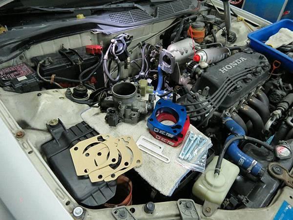 Honda K8 MT 安裝KC.TBS Plus節氣門墊寬器_007