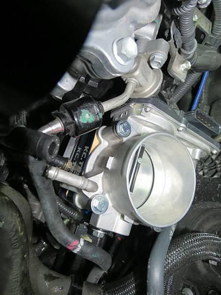 Toyota 2012 Camry 2.5 (2AR-FE) Install KC.TBS Throttle Body Spacer_001