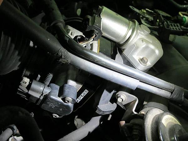 Ford Escape 3.0 Install KC.TBS Throttle body spacer_05