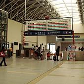 台鐵新烏日站2F 入口