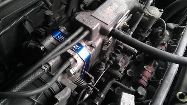 Rover 620 Install KC.TBS Throttle Body Spacer_005.jpg