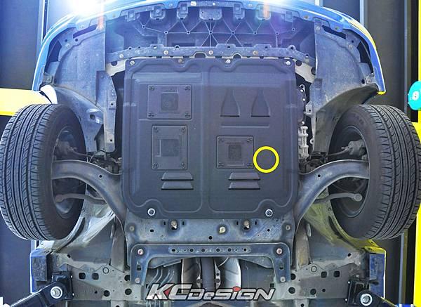 Nissan Tiida 1.8 安裝 KCdesign 強化塑鋼下護板 _02_1.jpg