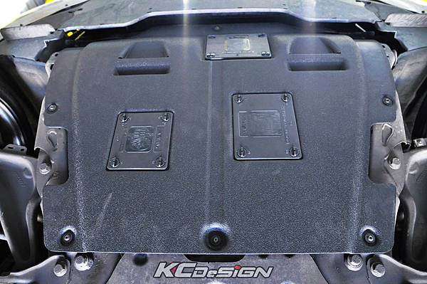 Volvo S60 T4 安裝 KCDesign 強化塑鋼下護板_04.jpg
