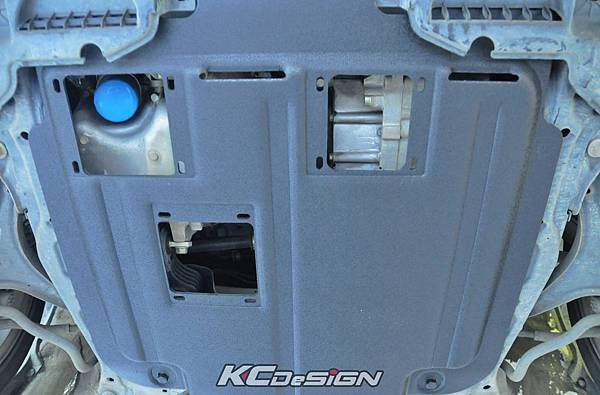 Honda Civic 9 安裝 KCDesign下護板 _02.jpg