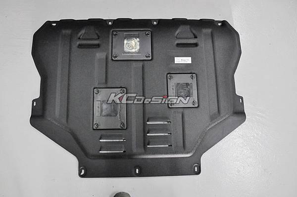 Ford Kuga 1.6T 安裝 KCDesign 塑鋼引擎下護板_06.jpg