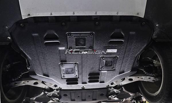 Ford Kuga 1.6T 安裝 KCDesign 塑鋼引擎下護板_12.jpg