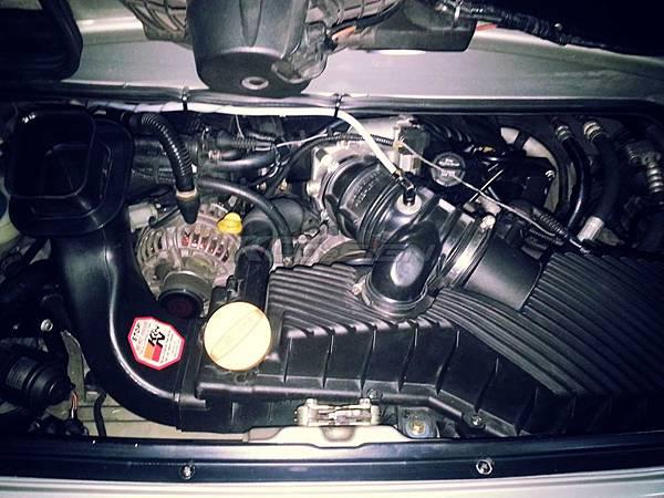 Prosche 911 (966,97-04) 安裝 KC.TBS_02.jpg